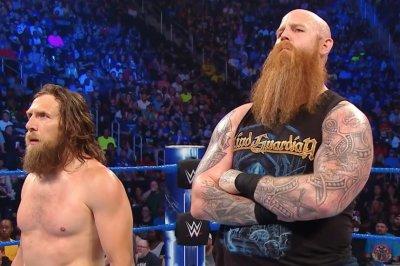 WWE Smackdown: The New Day battle Daniel Bryan, Rowan