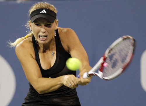 Wozniacki, Vinci open with wins in Sofia