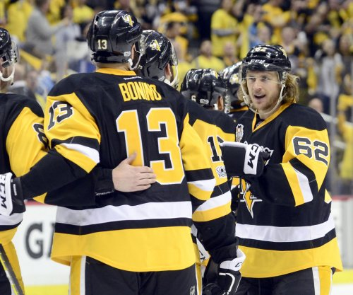 Carl Hagelin ready to step in for Pittsburgh Penguins if Nick Bonino can't play