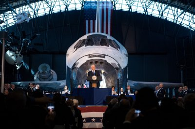 First Nat'l Space Council meeting in 25 years covers plans for 'Mars and beyond'