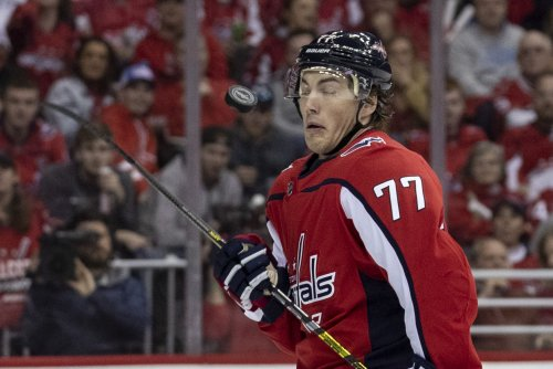 Washington Capitals' T.J. Oshie likely out for playoffs with broken collarbone