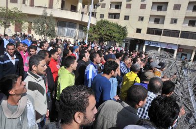 Voting begins on Egypt's constitution