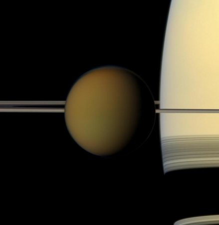 'Pre-life' chemistry on Saturn moon?
