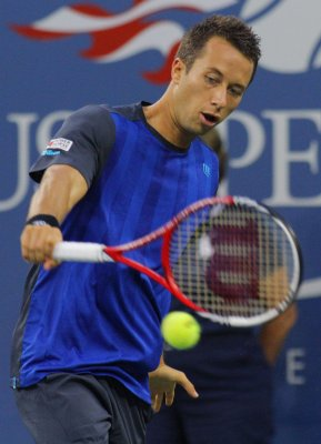Kohlschreiber beats No. 2 seed at Valencia Open