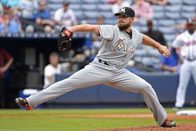 Miami Marlins toast Atlanta Braves