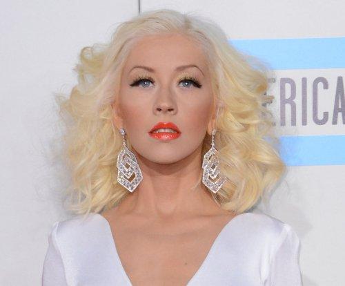 Christina Aguilera supports Blake Shelton, Gwen Stefani romance