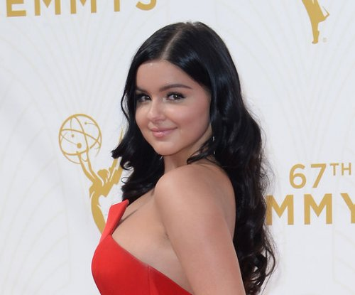 Ariel Winter celebrates 18th birthday with 'Modern Family'