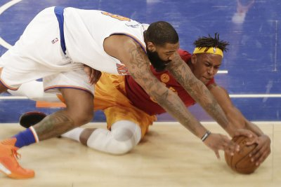 Indiana Pacers blow lead, finally slip past New York Knicks