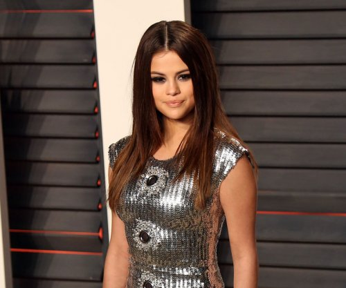 Selena Gomez taking time off to deal with Lupus complications including anxiety, depression