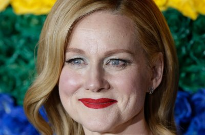 Laura Linney shuts down 'Love Actually' sequel rumors