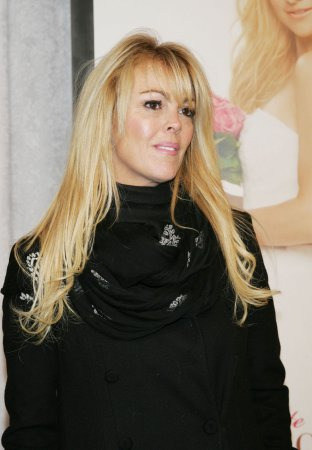 Dina Lohan, Lindsay's mom, arrested for alleged DUI