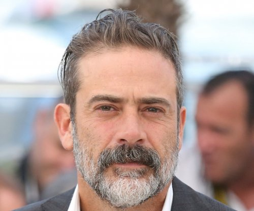 Jeffrey Dean Morgan responds to complaint alleging 'Walking Dead' shirt is racist