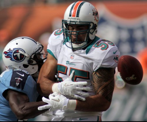 Miami Dolphins LB Koa Misi restructures contract