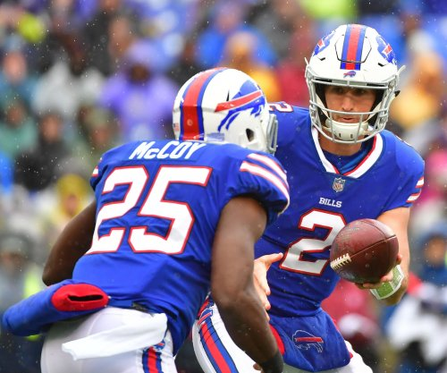 Bills' LeSean McCoy knocked out of game with head injury