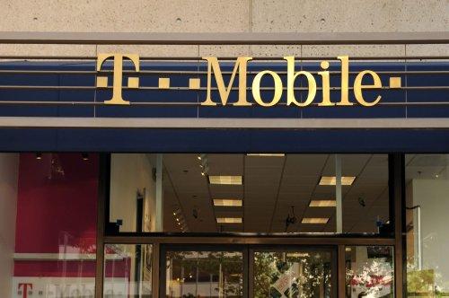 T-Mobile-Sprint $26.5B merger passes more regulatory hurdles