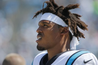 Cam Newton struggles in Panthers loss to Buccaneers