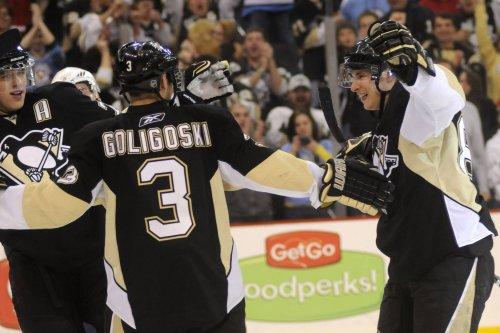 Stars obtain Goligoski from Penguins
