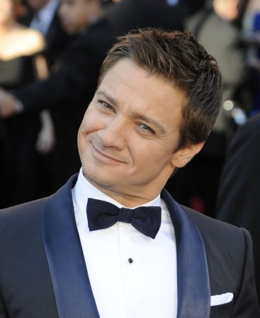 Jeremy Renner up for 'Bourne' role