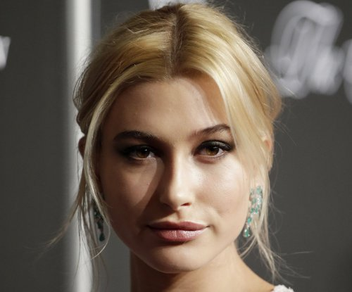 Hailey Baldwin shoots down Justin Bieber dating rumors