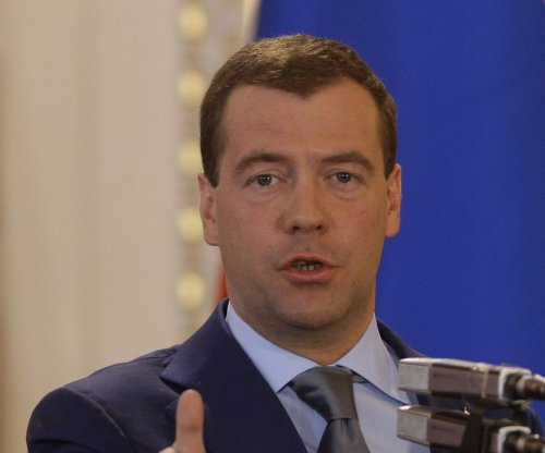 PM Medvedev extends Russian food embargo