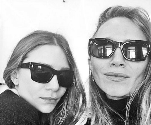 Mary-Kate and Ashley Olsen post first-ever public selfie