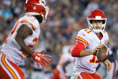 Kansas City Chiefs remain unbeaten with win over Houston Texans