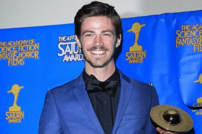 'The Flash' star Grant Gustin calls out body shamers