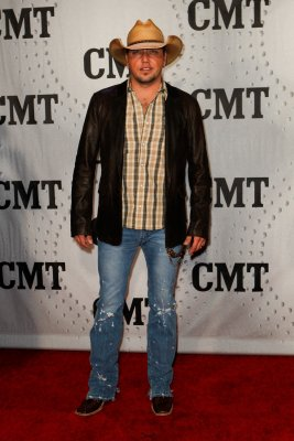 Aldean, Chesney to perform at ACM Awards