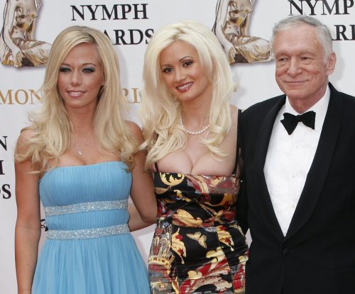 Kendra Wilkinson slams Holly Madison over fake friendship