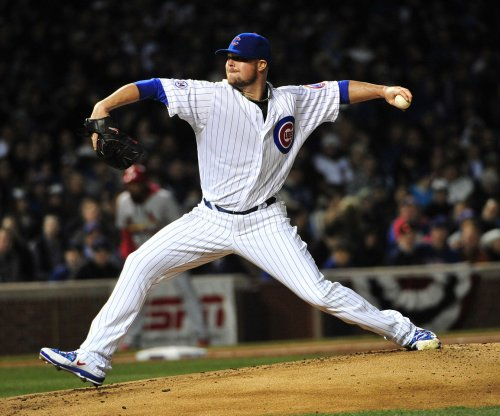 Streaking Chicago Cubs take care of San Francisco Giants