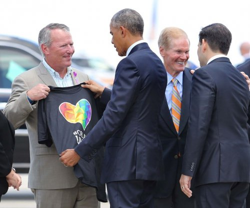 Obama, Biden, Rubio visit Orlando to console families, survivors of club attack