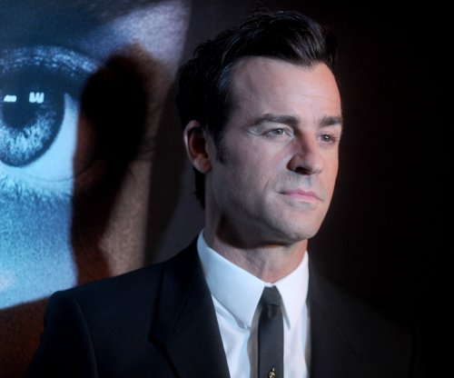 Justin Theroux shares fake throwback picture with Elizabeth Banks