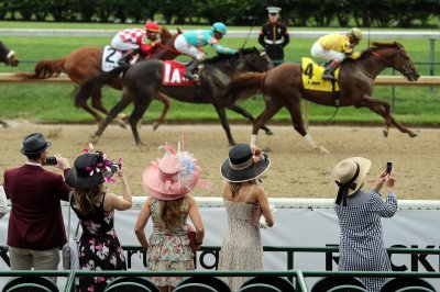 Kentucky Derby to allow spectators, with masks encouraged
