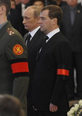 Medvedev in Poland, then to Brussels