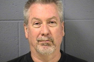 Drew Peterson accused of trying to hire hitman to kill prosecutor