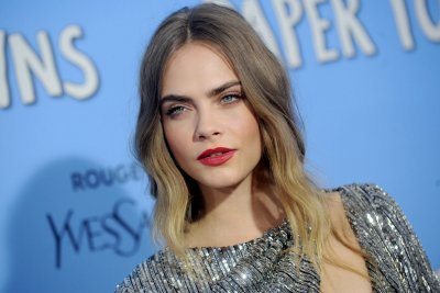 Cara Delevingne scolded by TV hosts, shoots back on Twitter