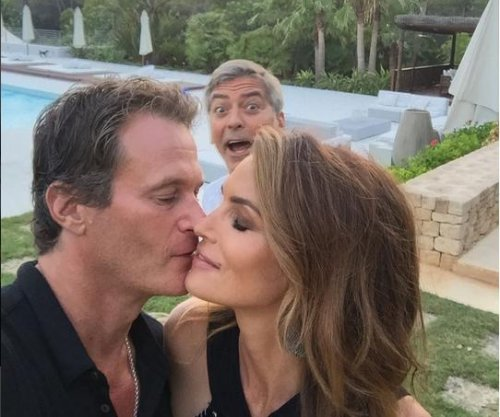 Cindy Crawford vacations with George and Amal Clooney