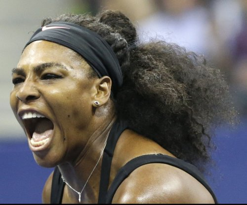 Serena Williams out with knee, plans on Australian Open