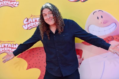 'Weird Al' abandons spectacle for 'intimate' new tour