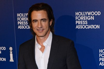 Dermot Mulroney, Ray Santiago to star in horror anthology 'Into the Dark'