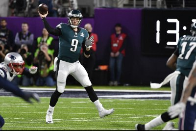 NFL Notebook: Eagles QB Foles back at practice