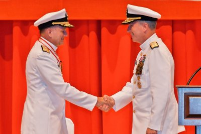 Fort takes over as commander of Naval Forces Japan, Navy Region Japan