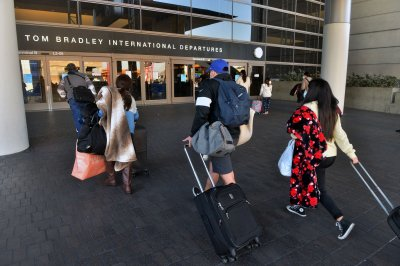 EU removes U.S. from 'safe' travel list due to COVID-19 surge