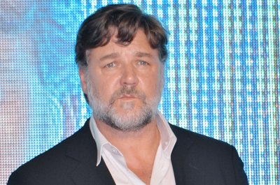 Russell Crowe didn't apply for citizenship, says Australia's Department of Immigration