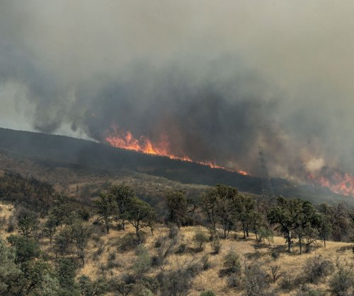Biggest California wildfire expected to spew smoke all weekend