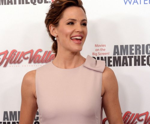 Jennifer Garner appears in first 'Miracles From Heaven' trailer