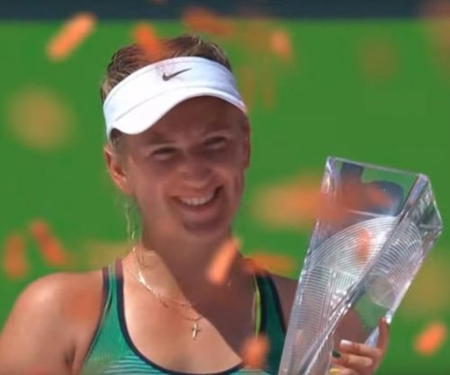 Victoria Azarenka cruises in Miami Open final