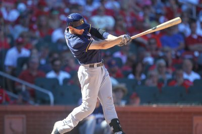 Ryan Braun scores on wild pitch as Milwaukee Brewers edge Chicago Cubs in 11 innings