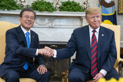 Report: Seoul not ruling out Trump visit to Korean DMZ