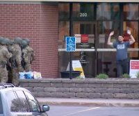 Suspect arrested following 8-hour hostage standoff at Minnesota bank